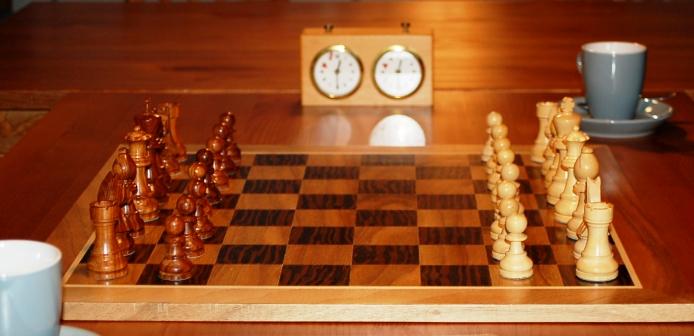 Schach aus Holz.